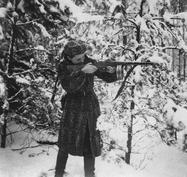 Pictures of Resistance: The Wartime Photographs of Jewish Partisan Faye Schulman
